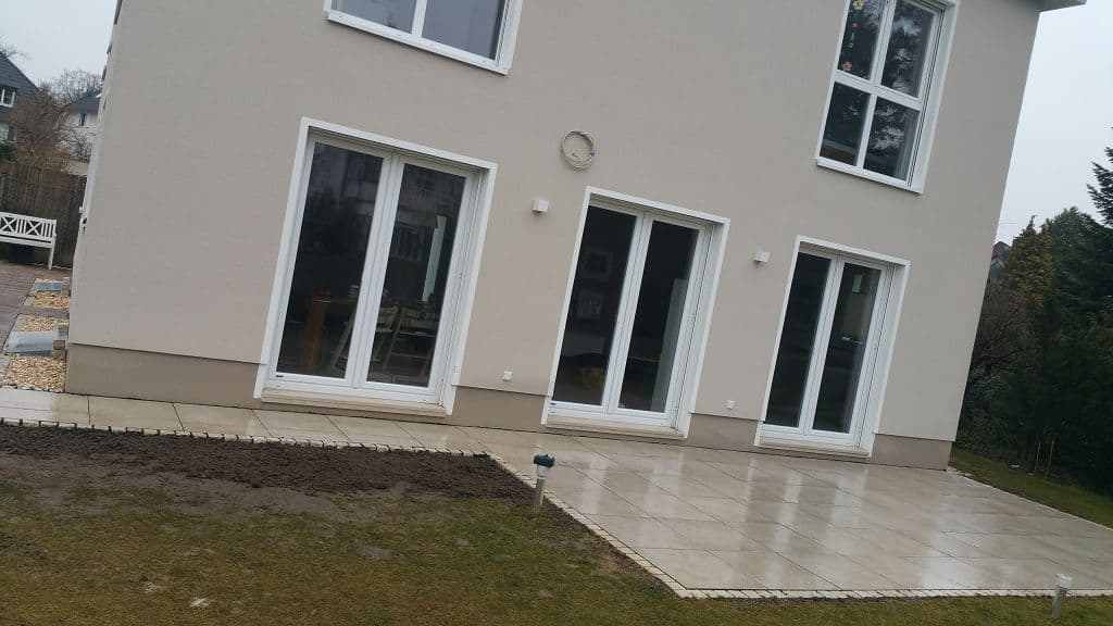 Berlin Zehlendorf Terrassenbau aus keramischen Platten bauen