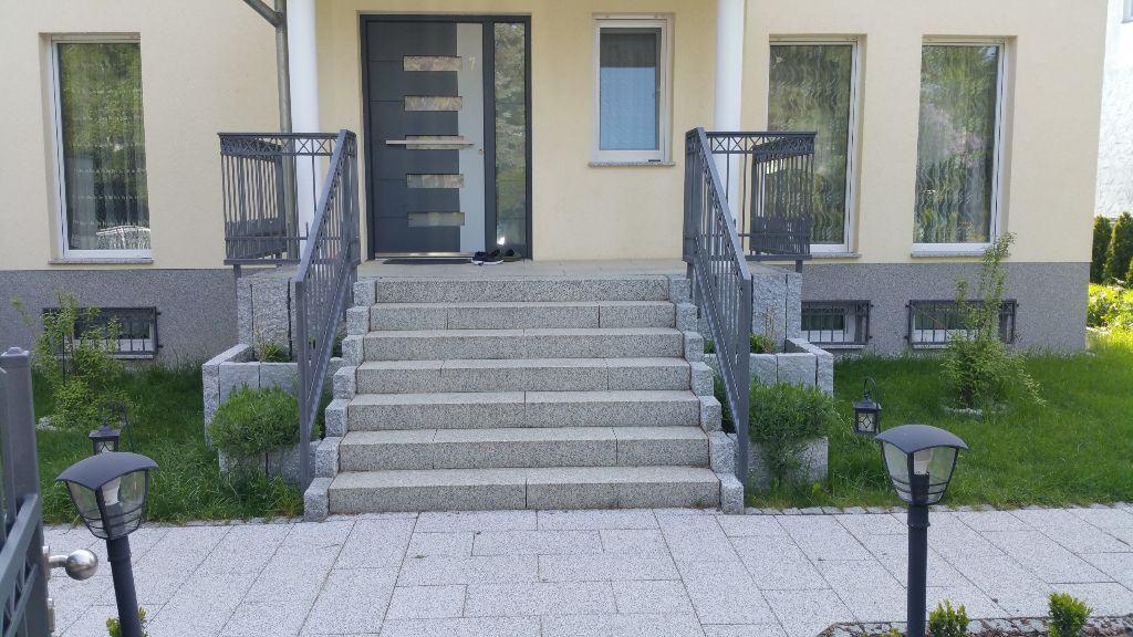 Eingangstreppe aus Granit Berlin Mariendorf Lichterfelde