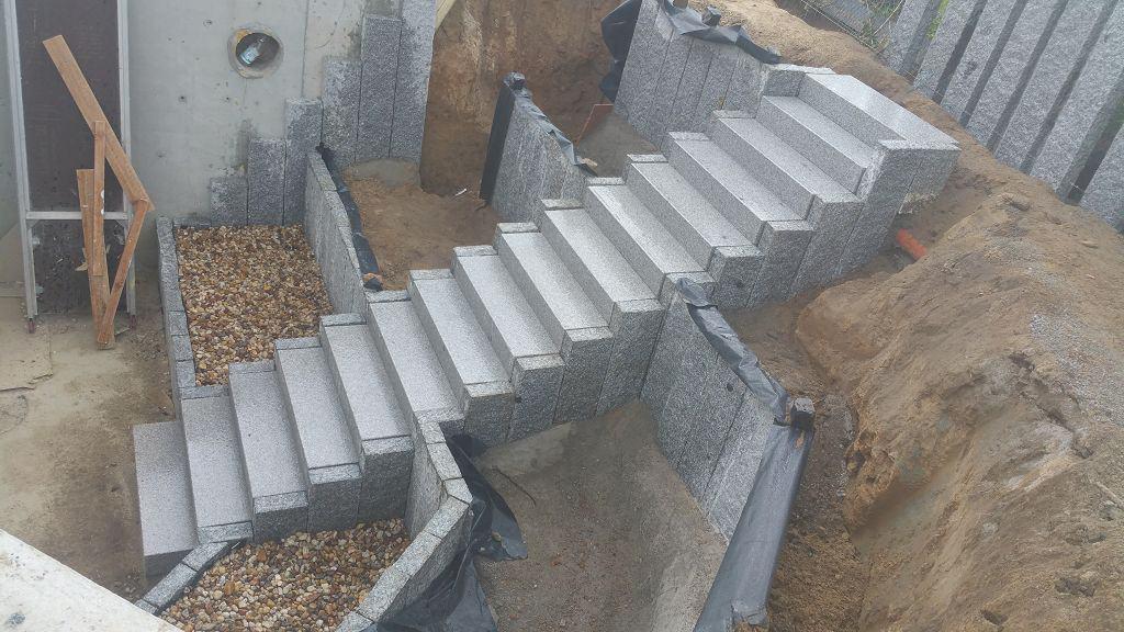 Kellertreppe bauen aus Naturstein Berlin Mahlow