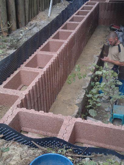 Mauern Palisaden Boeschungssicherung Kellerlichthof bauen