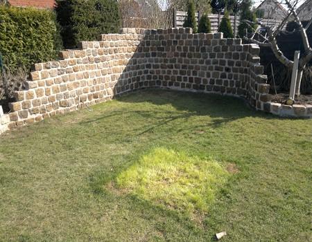 Mauern Palisaden Boeschungssicherung Naturstein Mauer