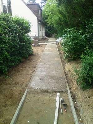 Pflasterarbeiten Betonstein Gehwegplatten verlegen