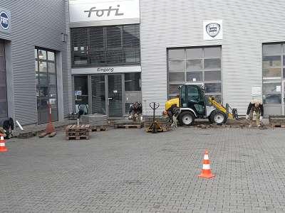 Pflasterarbeiten Betonstein Parkplatz begradigen