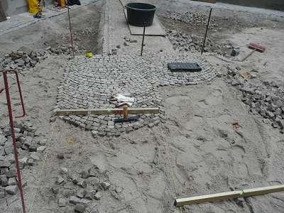 Pflasterarbeiten Naturstein Segmentbogen pflastern