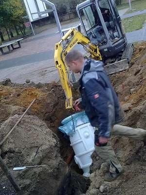 Regenwasser Versickerung Sickerschacht bauen