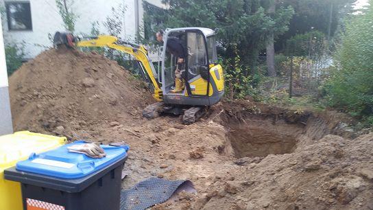 Regenwasser Versickerung verlegen von Regenwasserleitung