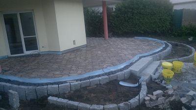 Terrassenbau Terrasse mit Graniteinfassung
