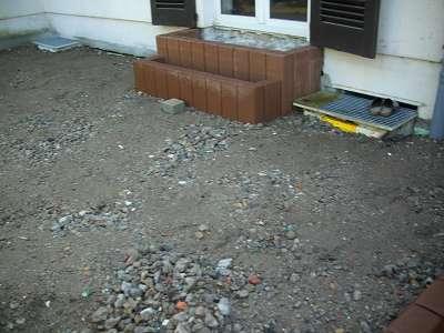 Terrassenbau halbrund und Palisaden