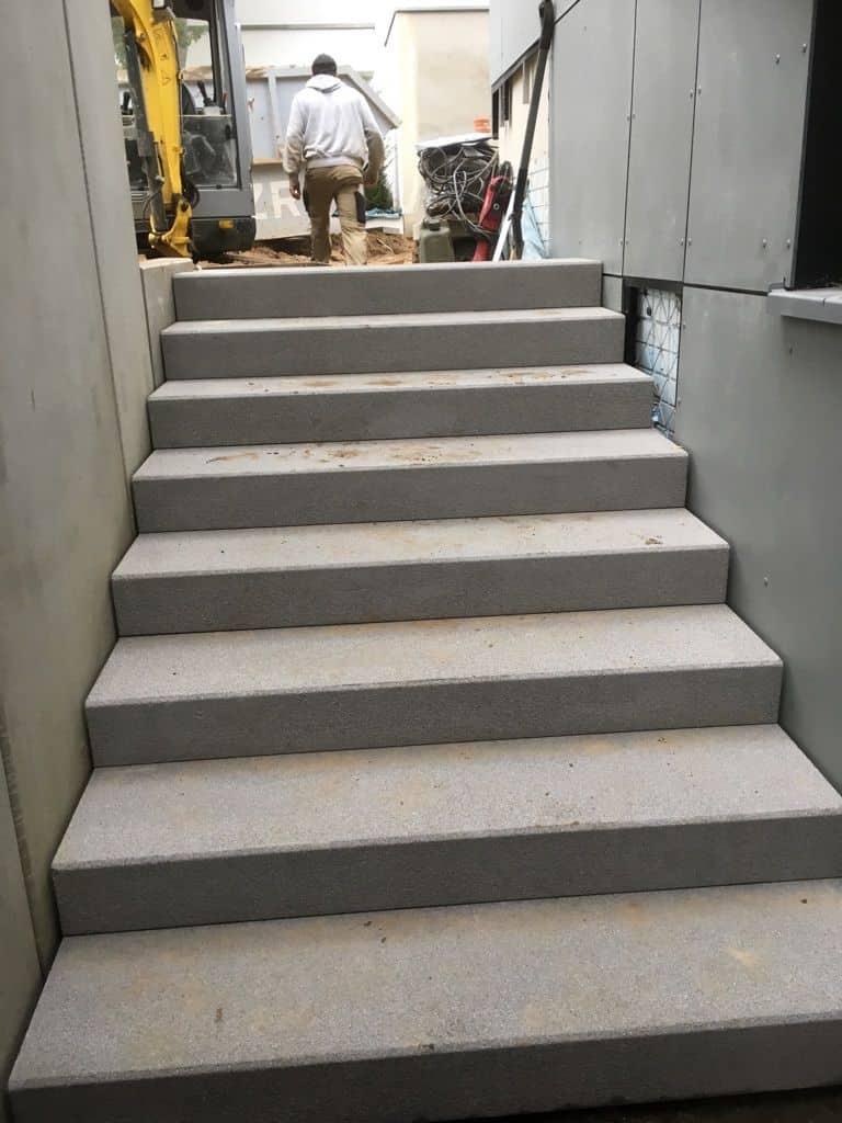 Treppe bauen in Berlin Zehlendorf - Betonplatten verlegen