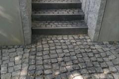 Treppenbau Betonstein u. Naturstein Basalt Treppe