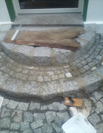 Treppenbau Betonstein u. Naturstein Treppe Granit Grosssteinpflaster