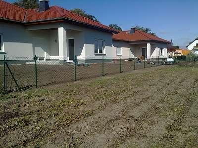 Zaunbau Maschendrahtzaun aufbauen